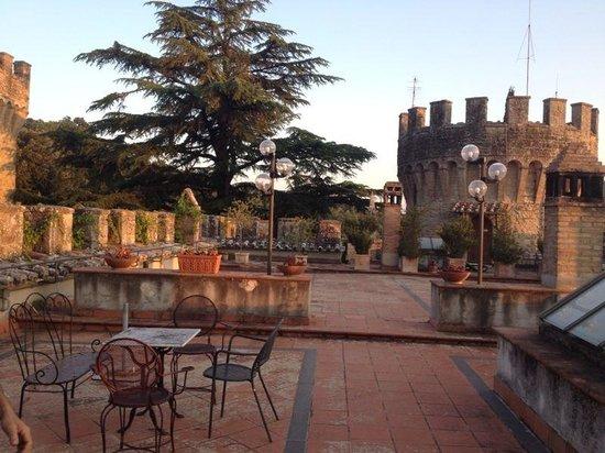 Castello dell'Oscano: On tre castel