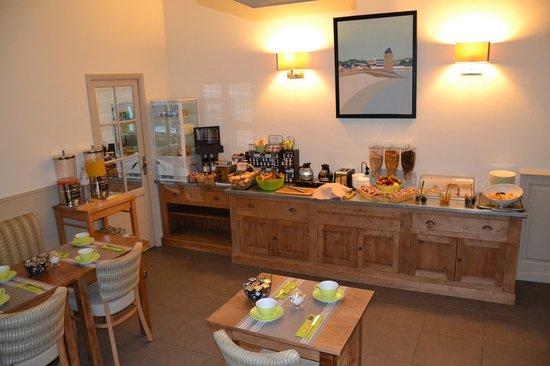 Hotel Les Ajoncs d'Or : Salle petit-déjeuner