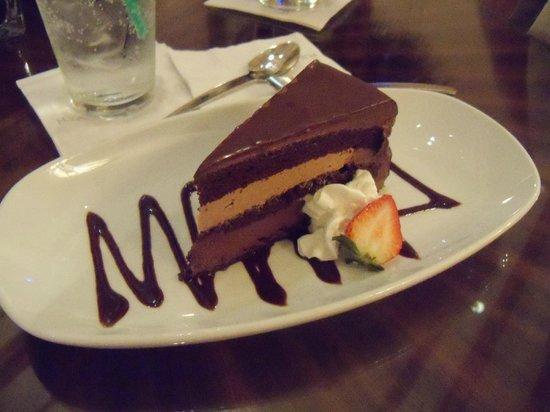 Hyatt Regency Coral Gables: dessert at the restaurant/bar - very good!