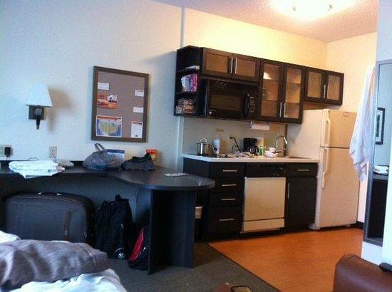Candlewood Suites Miami Airport West: foto do quarto. Nao é grande mas confortavel.