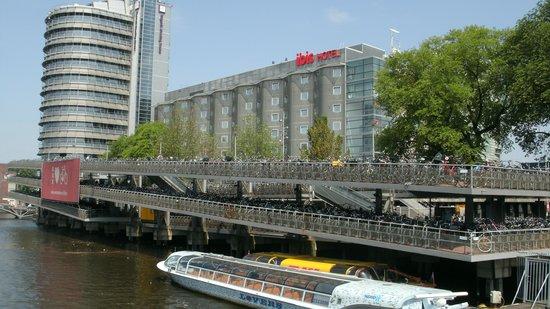 Ibis Amsterdam Centre: Foto da Fachada