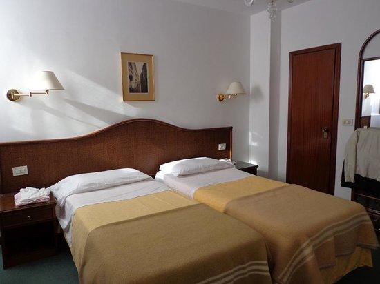 Casanova Hotel: habitacion