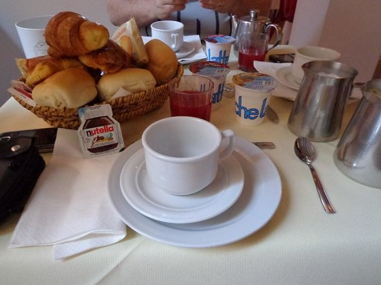 Casanova Hotel: desayuno