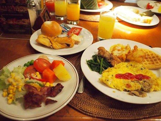 Ramada Bintang Bali Resort: 朝食