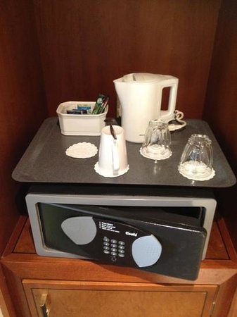Holiday Inn London-Heathrow M4, Jct. 4: Coffe/Tea