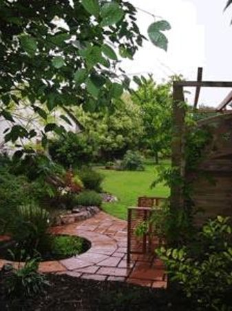 Greystones: Garden
