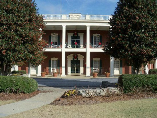 front of hotel picture of stone mountain inn stone. Black Bedroom Furniture Sets. Home Design Ideas