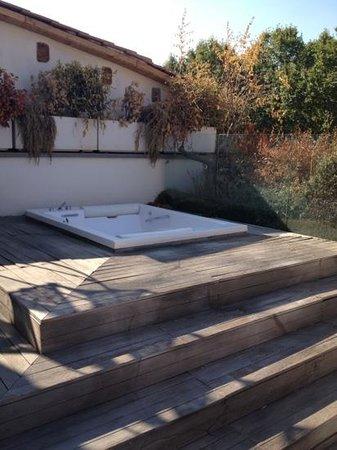 Relais Orso : vasca idromassaggio sul balcone