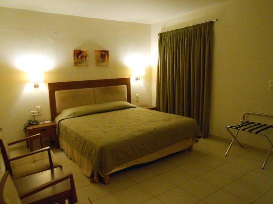 Bella Beach Hotel : la chambre
