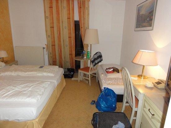 Hotel Schwartze: Bedroom