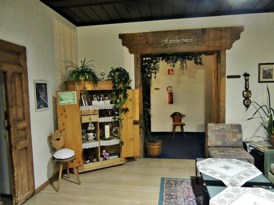 Castel Latemar: Reception