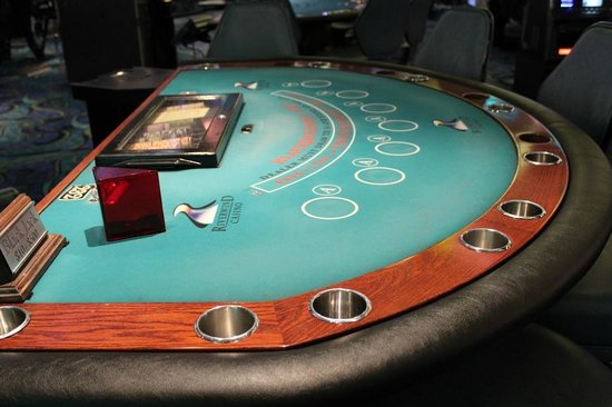 Riverwind Casino : With 28 table games, you'll be sure to find just the one for you.
