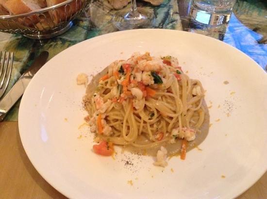 Cappun Magru in casa di Marin: Spaghetti in salsa di cicale con scampi ed astice