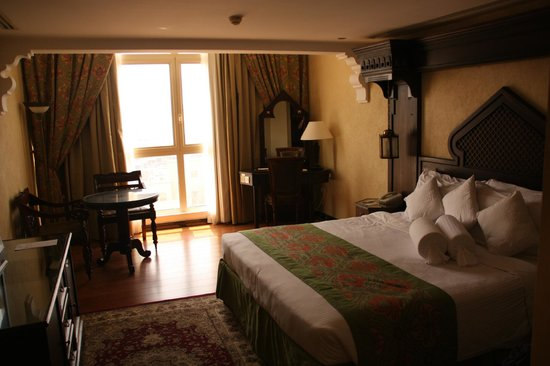 Arabian Courtyard Hotel & Spa: Good size rooms
