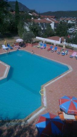 Tunacan Hotel: pool area from balcony