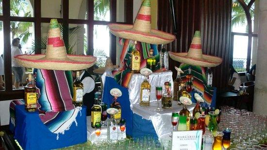 Hotel Riu Cancun: Noite Mexicana