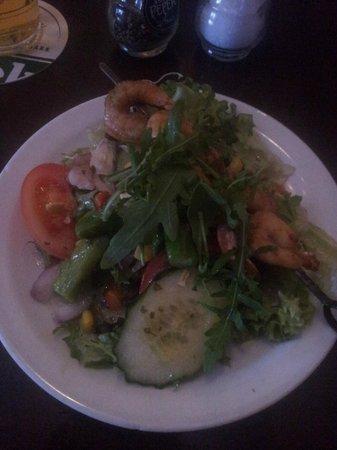 Stoop & Stoop Eetcafe: Salade d'asperges vertes et crevettes grillées