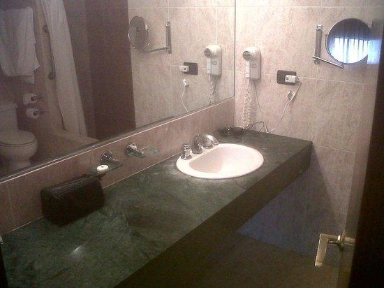 Garden Suites: lavabo