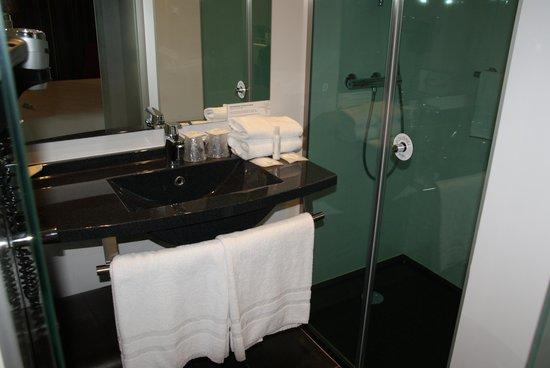 Hotel Escale Oceania: Bathroom