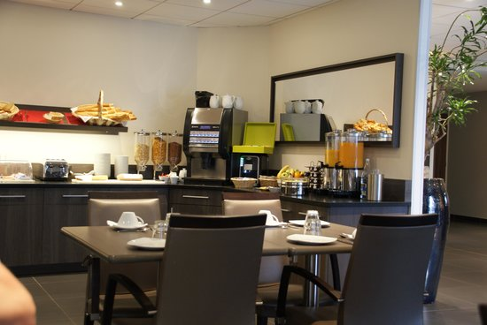 Hotel Escale Oceania: Breakfast buffet
