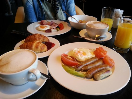 Royal Square Hotel & Suites: breakfast