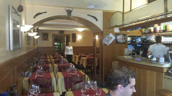 Trattoria da Rino : Empty restaurant during main season