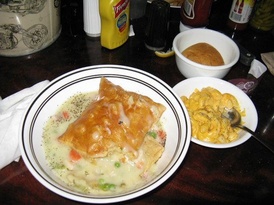 The Wicked Wheel Bar & Grill: Chicken pot pie with roll and one side