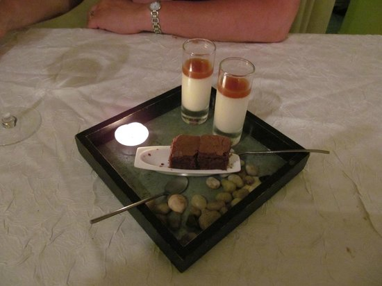 La Vieille Tour: Pannacotta with apricot/apple jus, with chocolate 'brownie'. Real pebbles ,(not for eating)