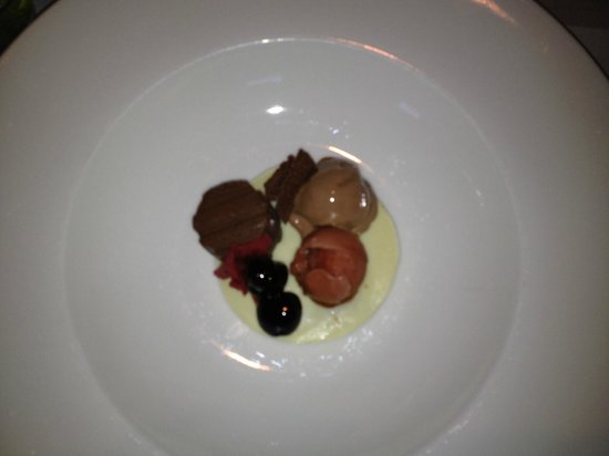 Taste: Chocolate dessert