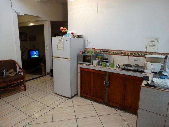 Hostel Shakti: Kitchen area
