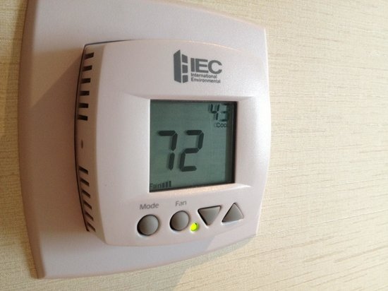 The Westin Lima Hotel & Convention Center: AC not working.  Could not get temp below 72F.