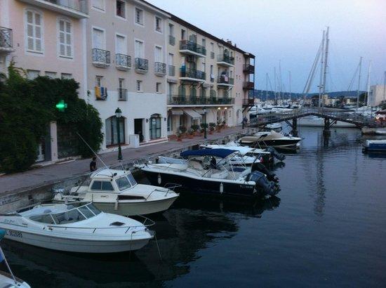 Hotel Le Suffren: vue du pont