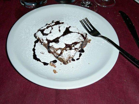 I Corsari: la torta al cioccolato e mandorle