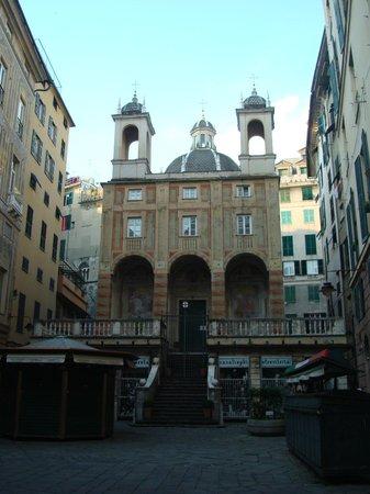 San Pietro in Banchi : da Piazza Banchi