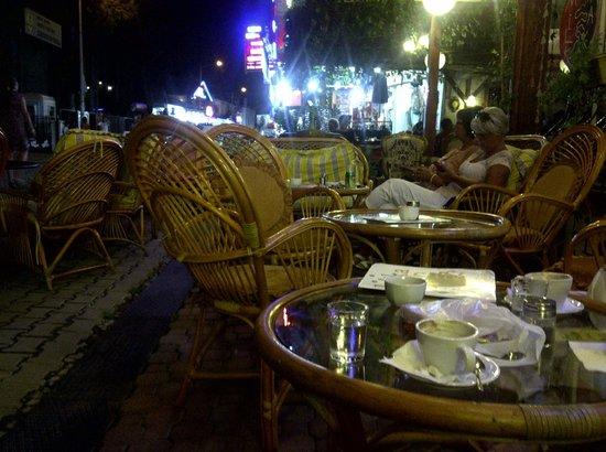 Latika Boutique Cafe: Latika