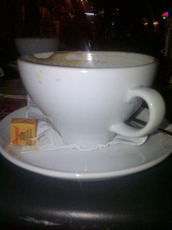 Latika Boutique Cafe: Large Latte