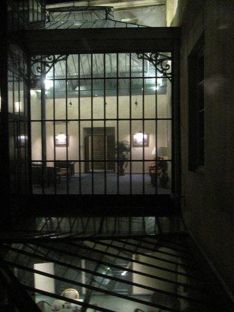 Le Phénix Hotel : Vue de la verrière la nuit