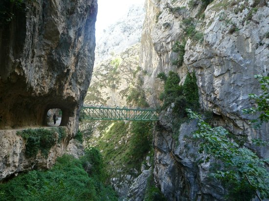 The Cares Gorge: Ruta del Cares
