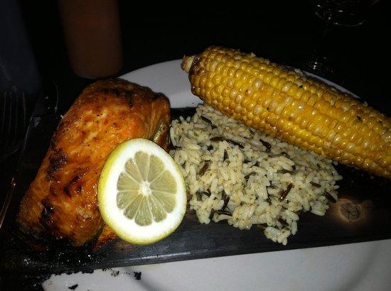 Degage Jazz Cafe & Fine Dining: Maple Salmon Entree