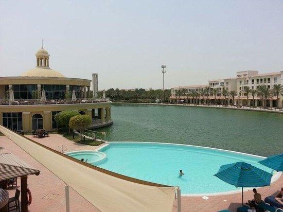 Courtyard Dubai, Green Community: Pool side