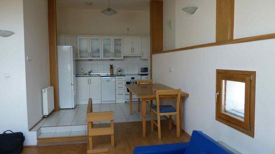 Domino Apartments : Kücheneinrichtung
