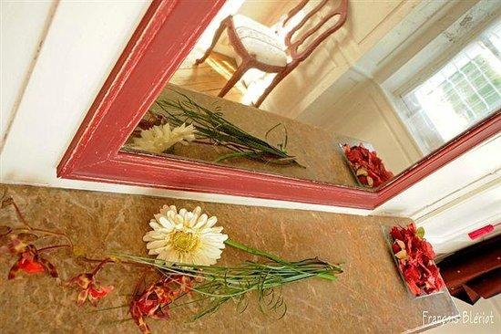 La chambre du g te des deux ponts obr zok au jardin des for Au jardin des deux ponts abbeville