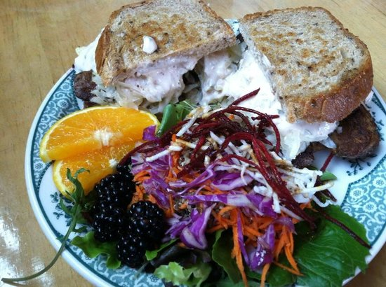 Blue Scorcher Bakery Cafe: Tempeh Reuben - outta this world!