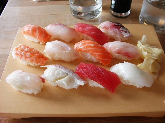 Yuzu Sushi Bar: Sushi (basic but good)
