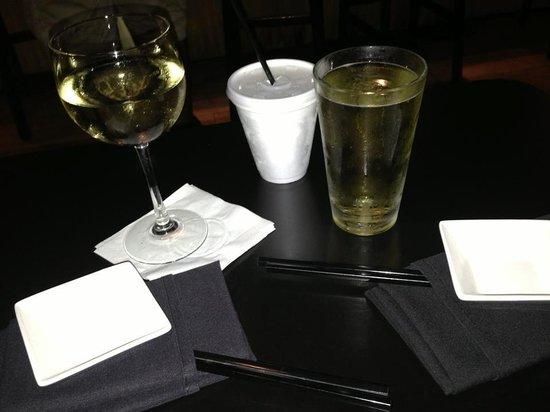 Ronin Sushi and Bar : Cheers at Ronin Sushi