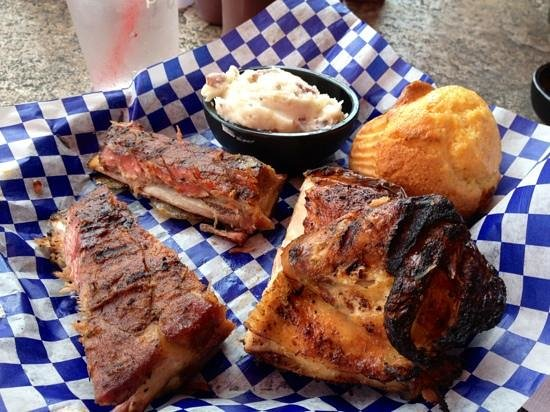 Famous Dave's Barbeque: Chicken & Ribs combo