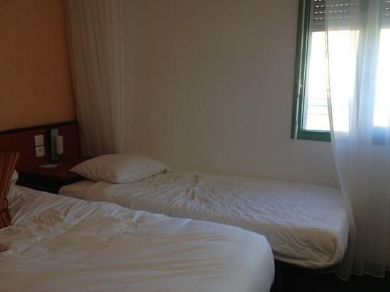 Best Western Saphir Lyon: chambre triple !!!???