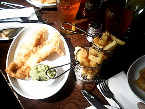 The Tailend Restaurant and Fish Bar: fish and chips