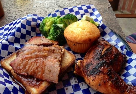 Famous Dave's Barbeque: Chicken & Brisket combo