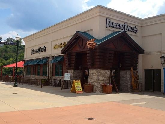 Famous Dave's Barbeque: Branson Landing